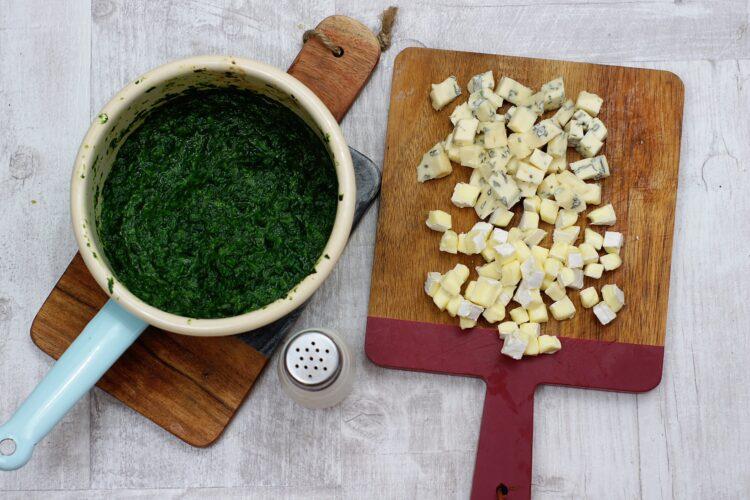Pieczarki faszerowane szpinakiem i trzema serami - Krok 3