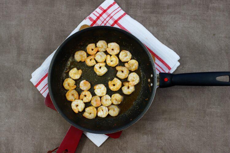 Krewetki z fasolą w pomidorach - Krok 4