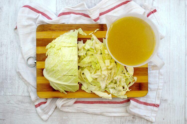 Pożywna zupa warzywno-fasolowa - Krok 2