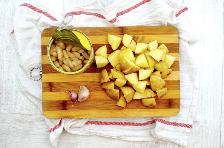 Pożywna zupa warzywno-fasolowa - Krok 3