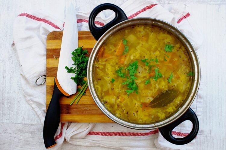 Pożywna zupa warzywno-fasolowa - Krok 4