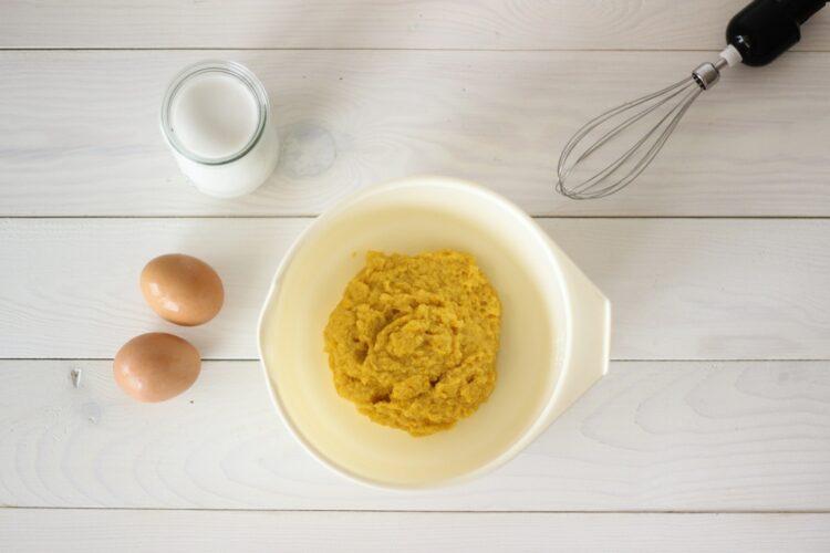 Ciasto z kukurydzy z rodzynkami - Krok 2