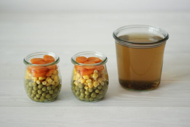 Galaretka z groszkiem i kukurydzą - Krok 3