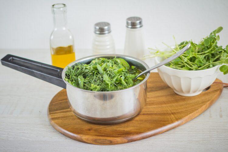 Zupa z zielonych warzyw z pulpecikami rybnymi - Krok 5