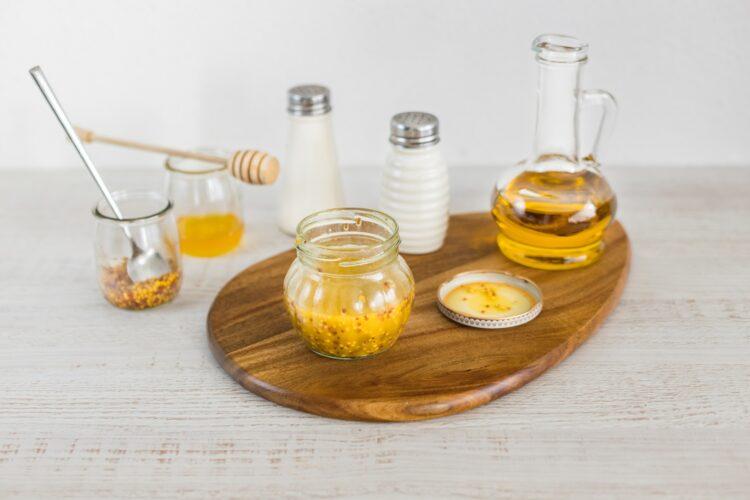 Grzyby portobello z jajkiem i groszkiem z wiosenną sałatką - Krok 1