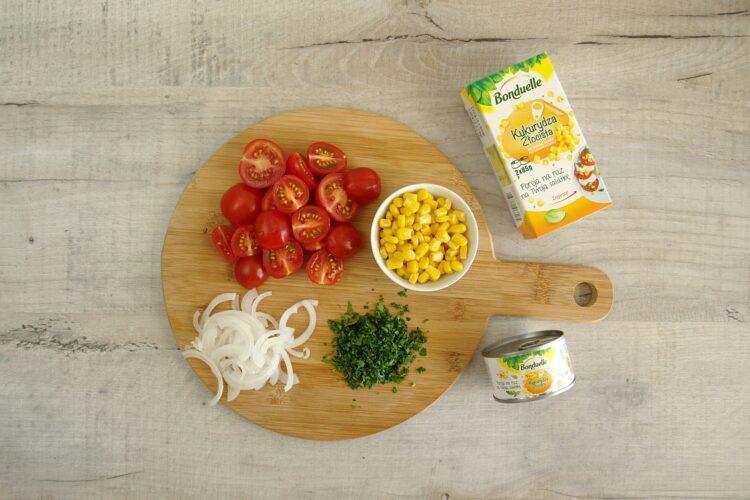 Sałatka z fasolką szparagową i kukurydzą - Krok 3