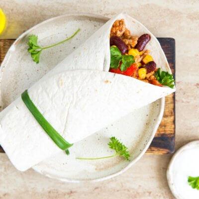 Tortille z mięsem mielonym, fasolą i kukurydzą