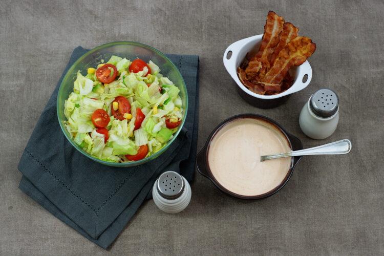 Sałatka z kukurydzą, boczkiem i awokado - Krok 4