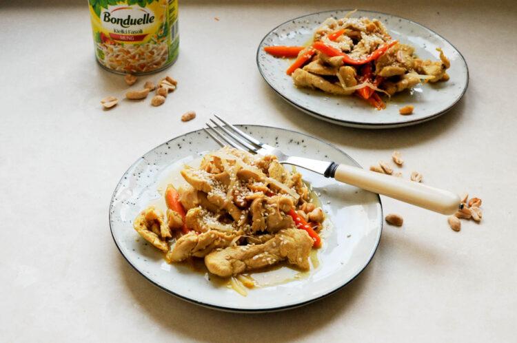 Kurczak z orzeszkami i kiełkami fasoli mung - Krok 8