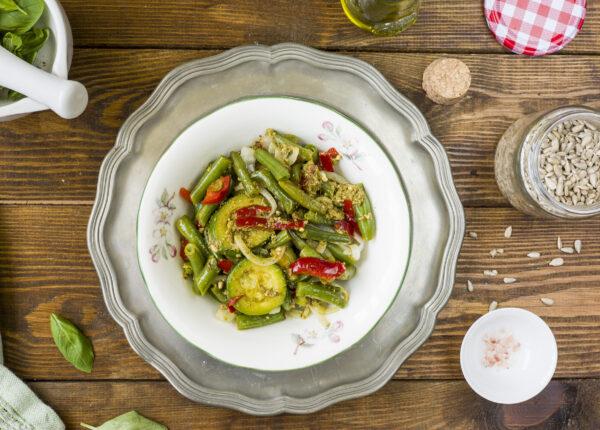 Warzywa w sosie bazyliowym