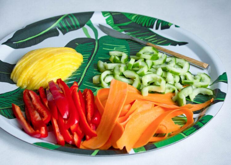 Orientalna sałatka z kiełkami - Krok 1