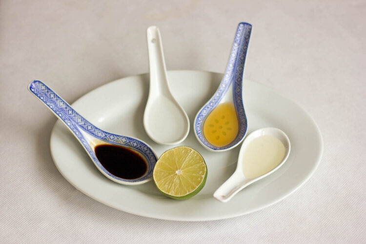 Orientalna sałatka z kiełkami - Krok 2