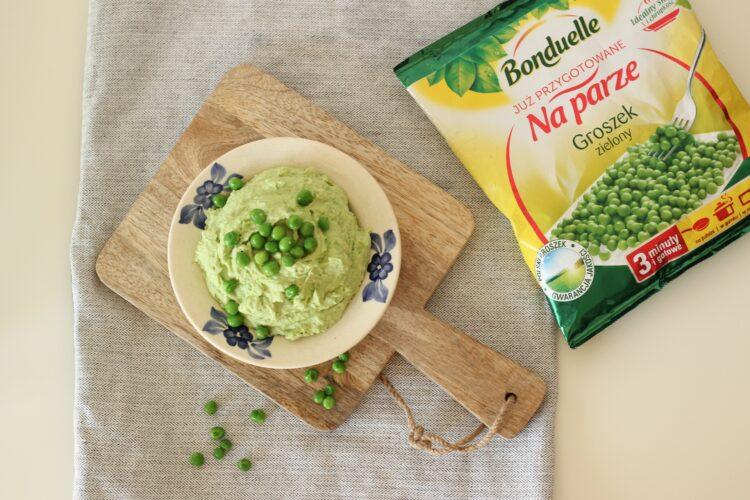 Zielona pasta z bobu i groszku