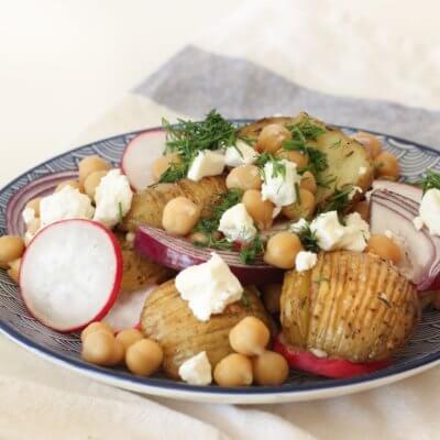 Sałatka z cieciorką i ziemniaczkami