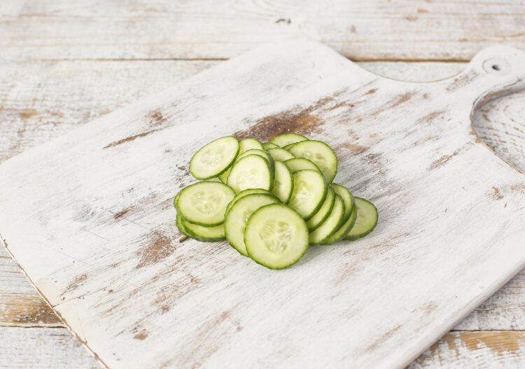 Sałatka makaronowa z kukurydzą i chili - Krok 2