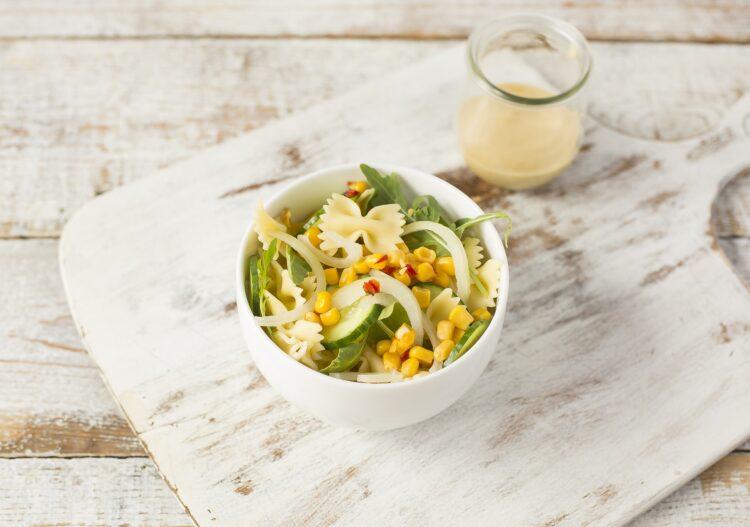 Sałatka makaronowa z kukurydzą i chili - Krok 4