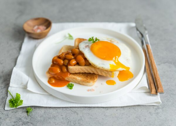Tosty z fasolą i jajkiem
