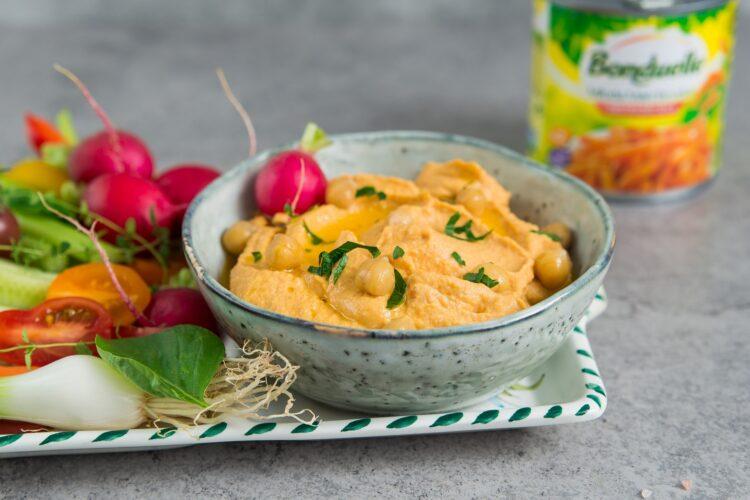 Hummus z marchewką