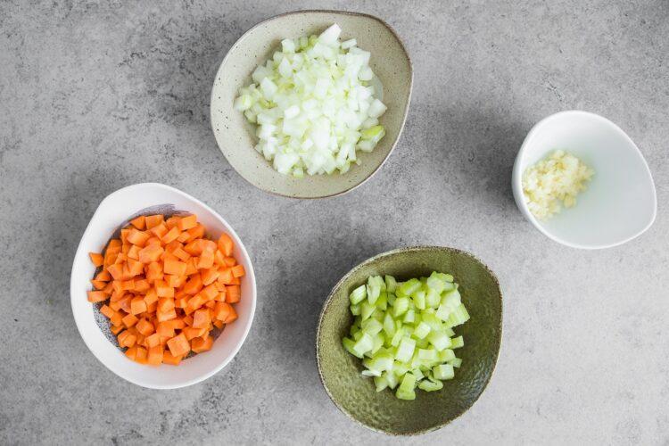 Zupa z brązową soczewicą - Krok 1