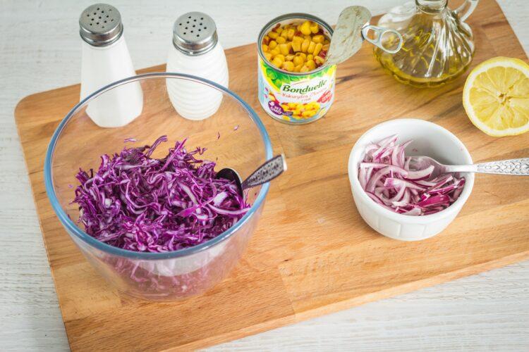 Tacos z mieloną wołowiną i pikantną surówką z czerwonej kapusty z kukurydzą - Krok 3