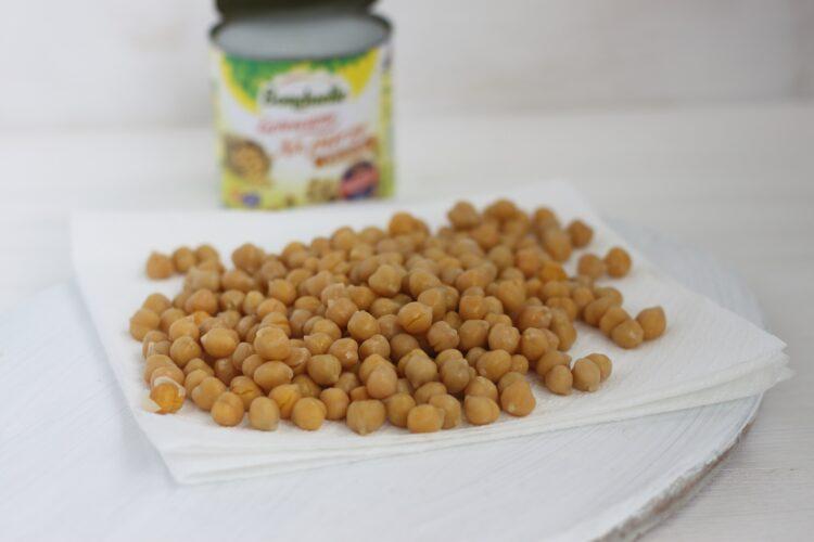 Słodka pieczona cieciorka z miodem i cynamonem - Krok 1
