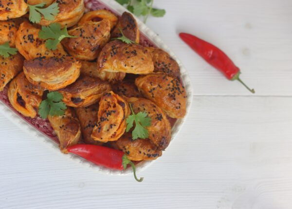 Pierożki empanadas z chorizo i czerwoną fasolą