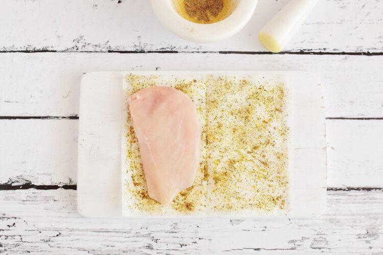 Soczysty filet z kurczaka z warzywami - Krok 2