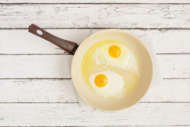 Fasolka szparagowa z jajkiem sadzonym - Krok 3