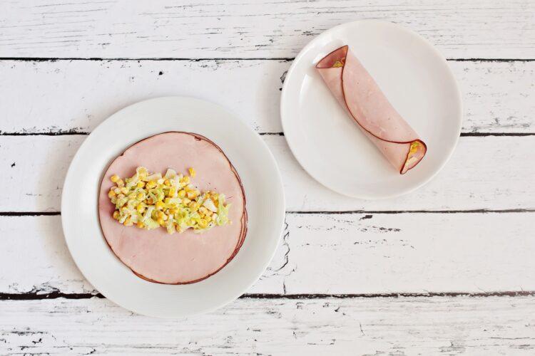 Roladki z szynki z porem, kukurydzą i ananasem - Krok 4