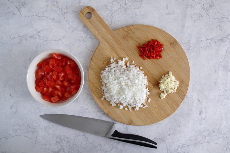 Chili con carne zapiekane w miseczkach z tortilli - Krok 1