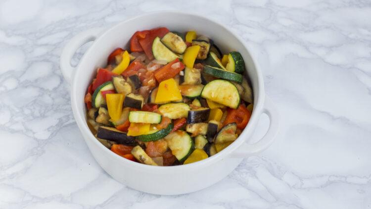 Grillowany ser halloumi na ratatouille z miksem warzyw - Krok 5