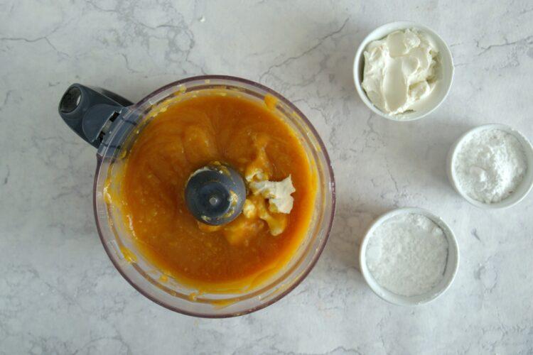 Pieczony mus z marchewki i brzoskwiń - Krok 3
