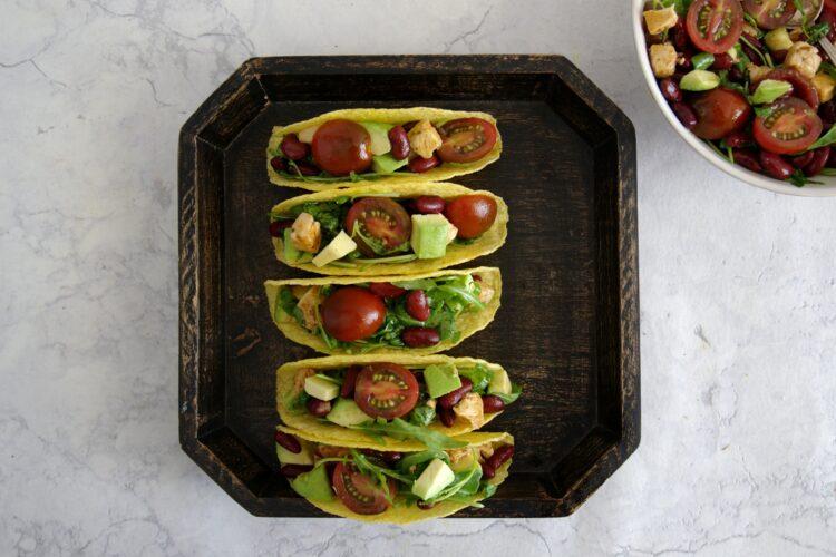 Tacos z kurczakiem i meksykańską sałatką - Krok 5