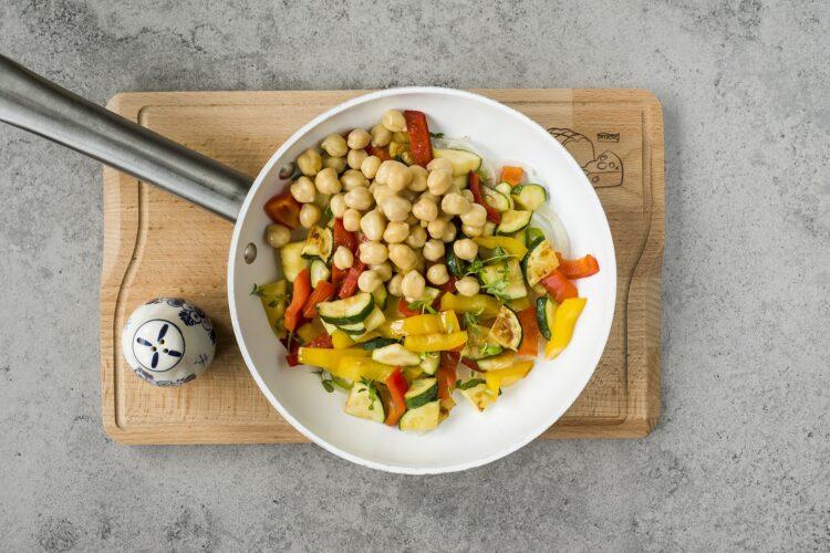 Ciecierzyca z warzywami - Krok 5