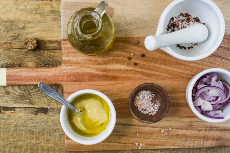 Sałatka ziemniaczana z makrelą i fasolą - Krok 5