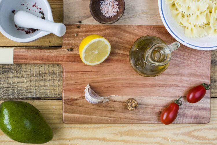 Sałatka makaronowa z awokado - Krok 3