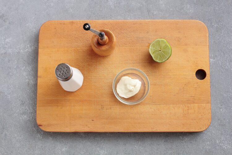 Sałatka meksykańska z czerwoną fasolą i awokado - Krok 3