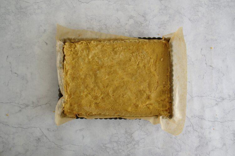 Batoniki z ciecierzycy z masłem orzechowym - Krok 2