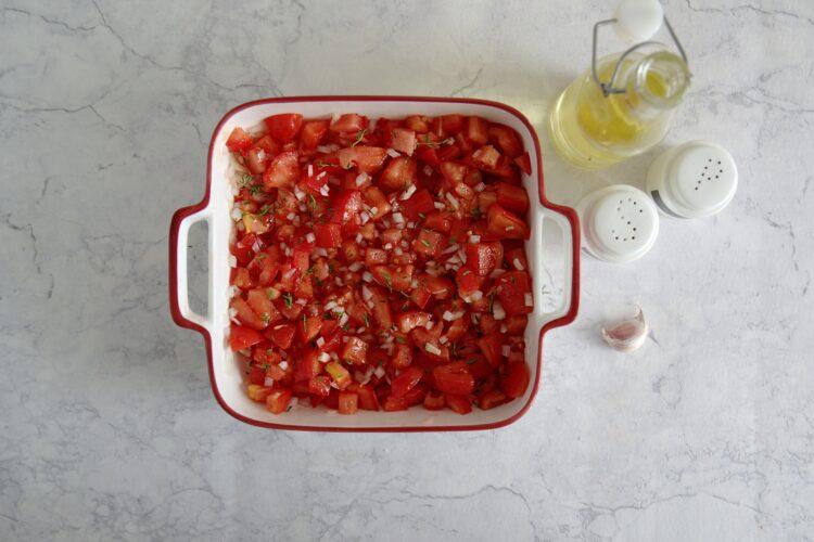 Dorsz pieczony z pomidorami i białą fasolą - Krok 1