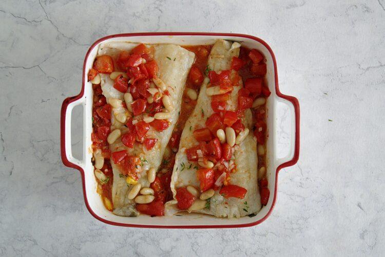 Dorsz pieczony z pomidorami i białą fasolą - Krok 4