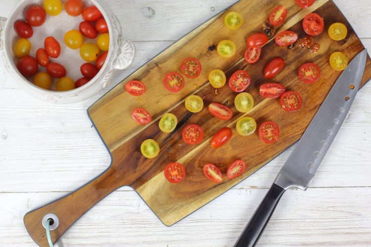 Surówka z czerwonej kapusty i pomidorów - Krok 3