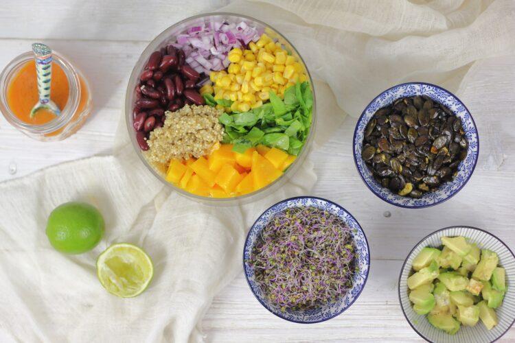 Komosa z mango, czerwoną fasolą i szpinakiem - Krok 5