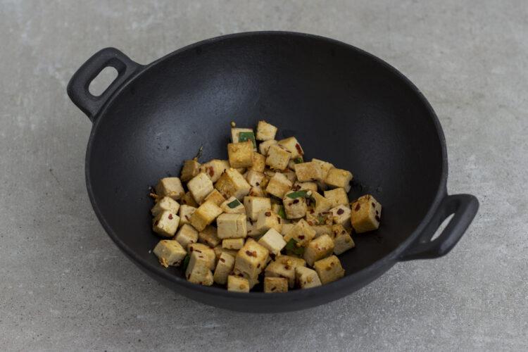 Stir-fry z warzywami, tofu i orzechami nerkowca - Krok 4