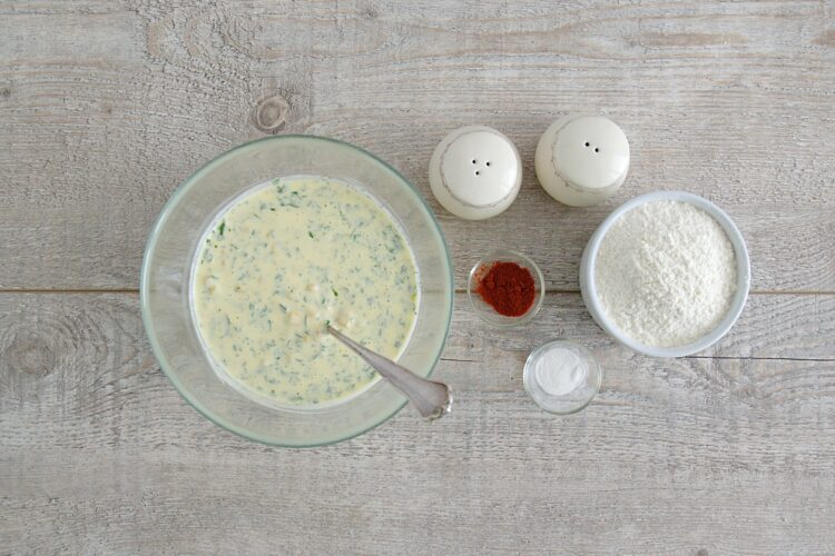 Śniadaniowe placuszki z kukurydzy z jajkiem w koszulce - Krok 2