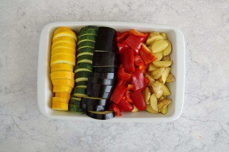 Pieczone letnie warzywa z ciecierzycą - Krok 1