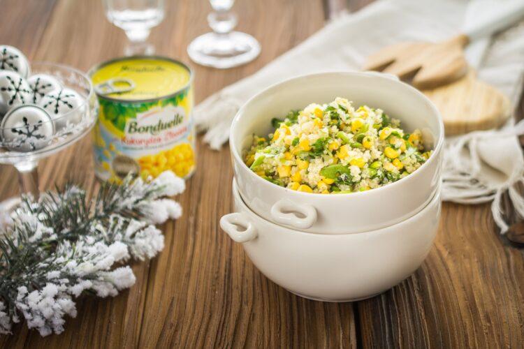 Sałatka z komosy ryżowej i kukurydzy