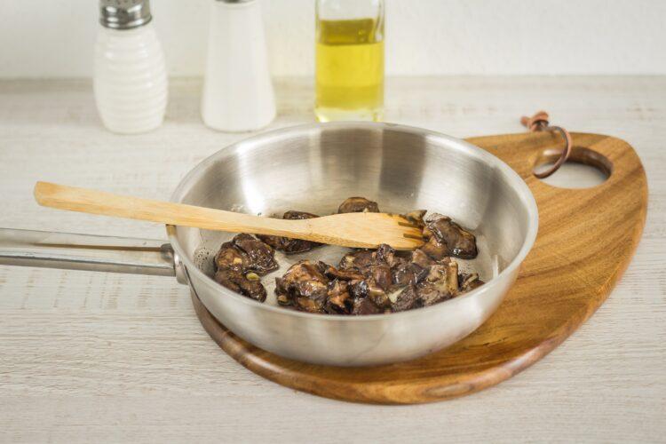 Tarta z grzybami i miksem fasoli - Krok 2