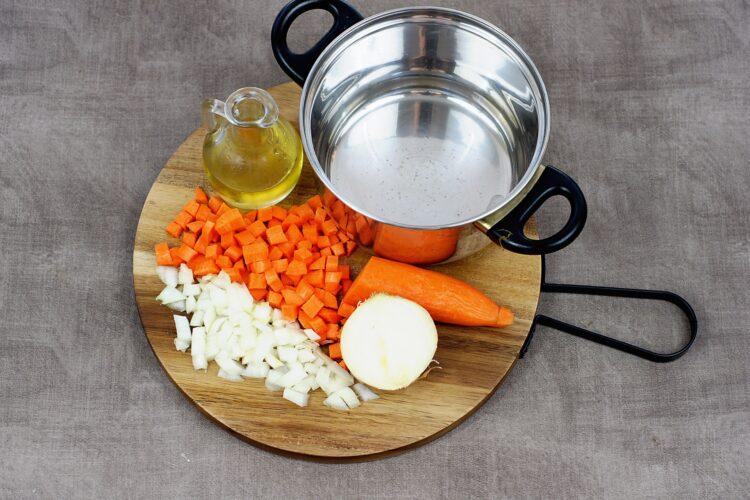 Marokańska zupa z batatami i soczewicą - Krok 1
