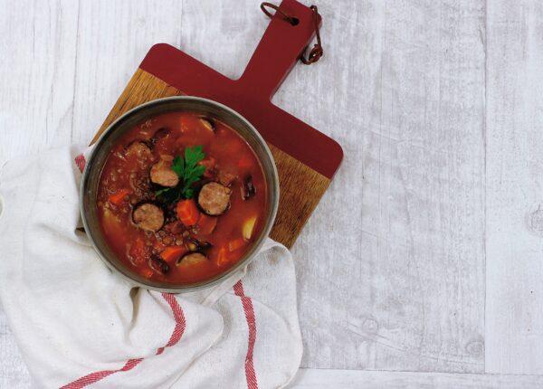Zupa z kiełbasą i soczewicą