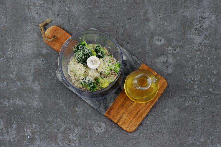 Makaron z brokułowym pesto - Krok 2